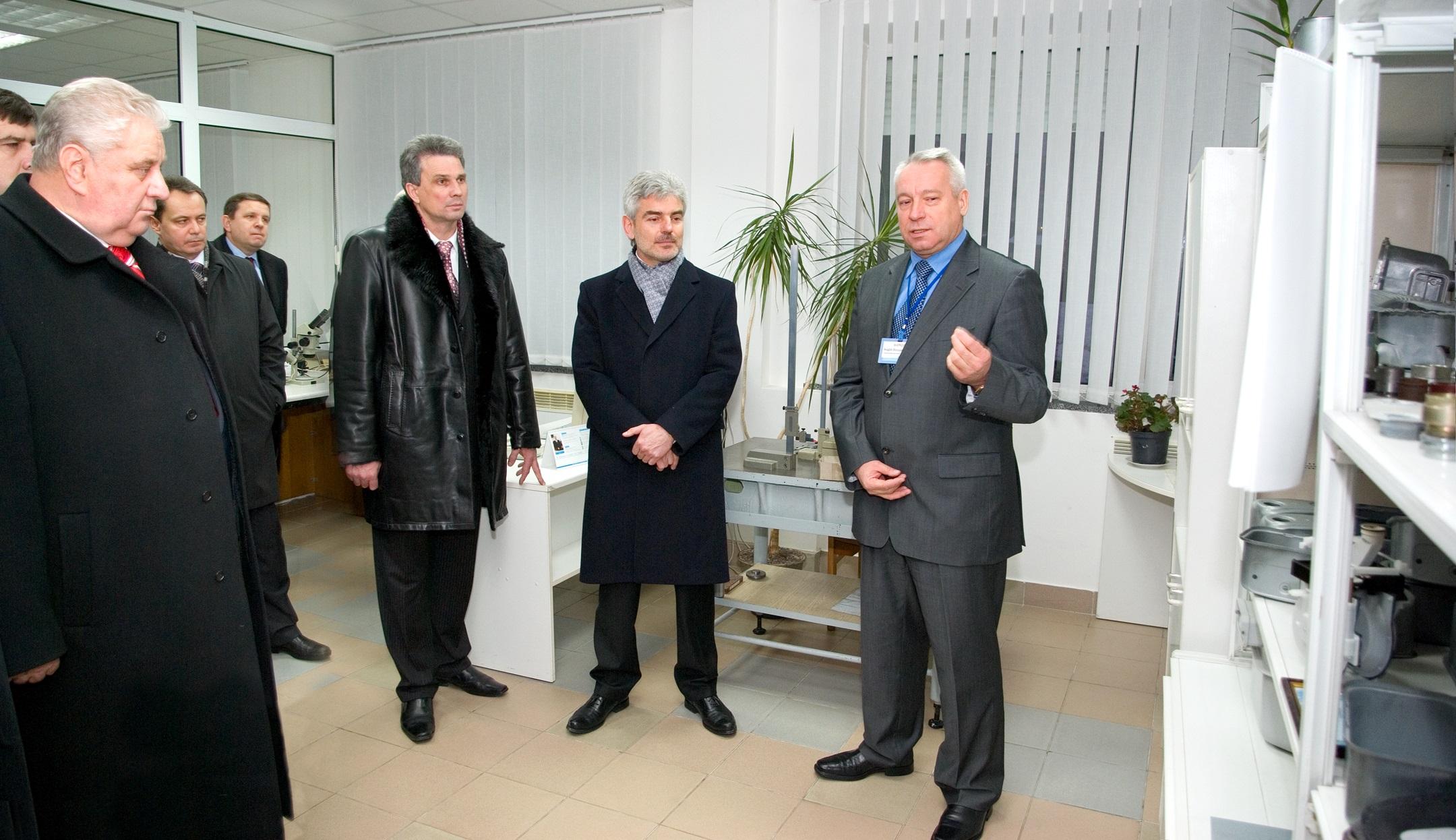 Посещение предприятия руководителями Ровенской обл. 2007 (фото 2)